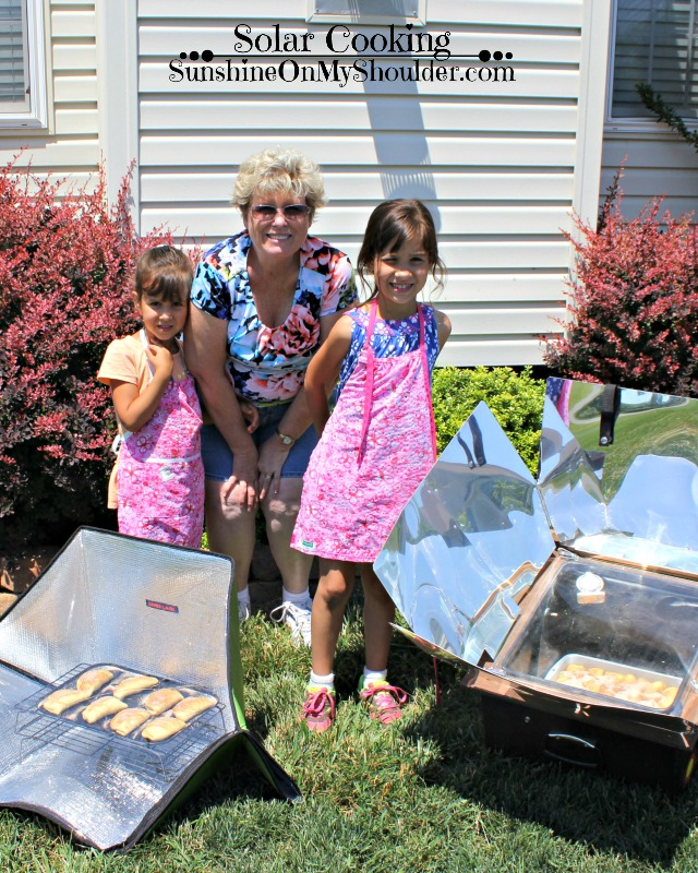 kids in the solar kitchen
