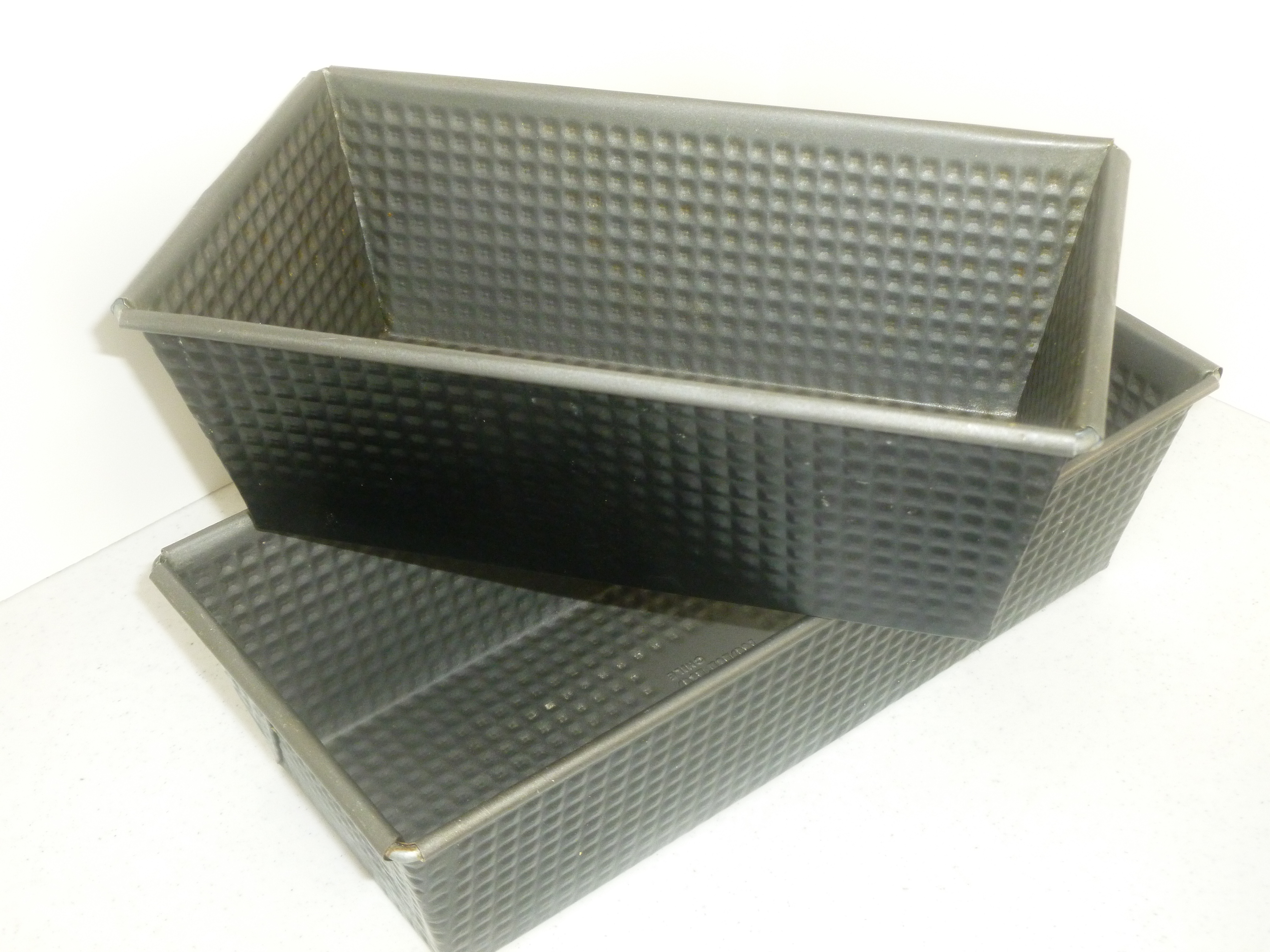 Dark colored bread pans are essential for successful solar cooking. Cookware Guide for solar cooking